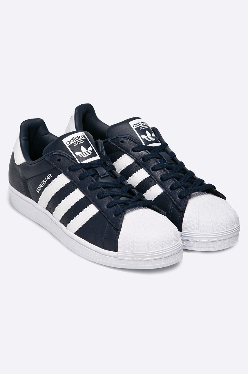 new style 97a2c ec095 Adidas Superstars